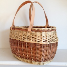buff-and-white-willow-handbag-basket-underfoot-basefrench-rand-and-zigzag-side-weaveleather-handles-2015
