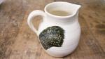 medium-jug-with-slip