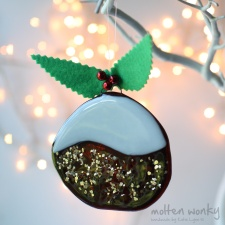 christmas-pudding-large-fused-glass-handmade-decoration-8502-molten-wonky.01.jpg